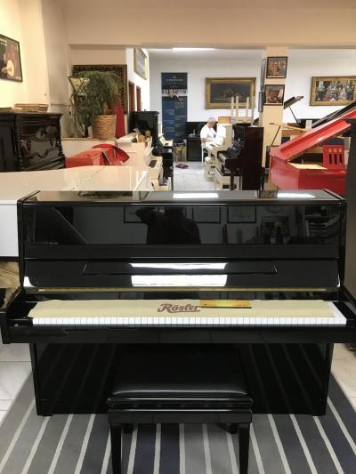 Pianino Rösler - Petrof poprvním majiteli, sezárukou.