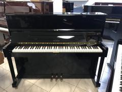 Zánovní pianino Petrof model P 118.