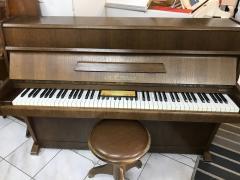 Menší pianino August Förster