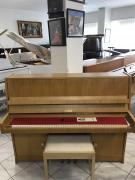 Krásné pianino Petrof po prvním majiteli.